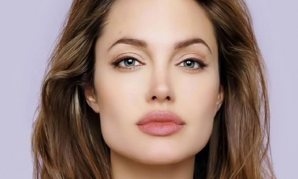 Angelina-Jolie-Beautiful-Dreamer-Forever-People-2-610x400 (1)