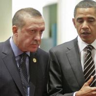 epa02443795 Turkish Prime Minister Recep Tayyip Erdogan (L) walks with U.S. President Barack Obama (R) at G20 summit in Seoul, South Korea, 12 November 2010.  EPA/DMITRY ASTAKHOV/RIA NOVOSTI/KREMLIN POOL