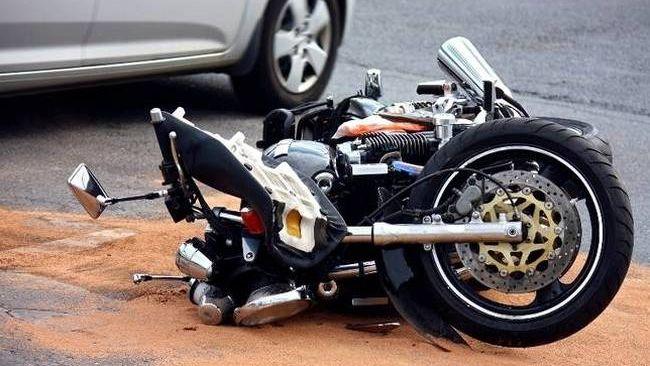 chios-motosikleta-troxaio