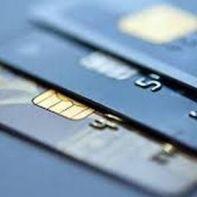 28.9.2015_Ψαλίδι-έως-και-50-στις-κόκκινες-πιστωτικές-κάρτες