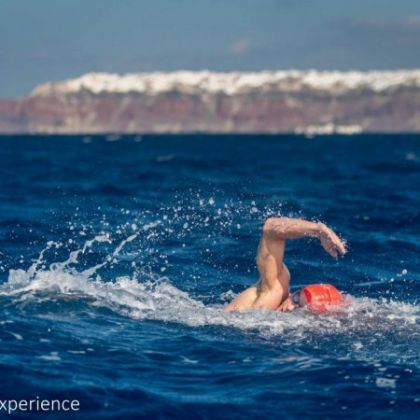 3_santorini-experience_swimming_by-elias-lefas