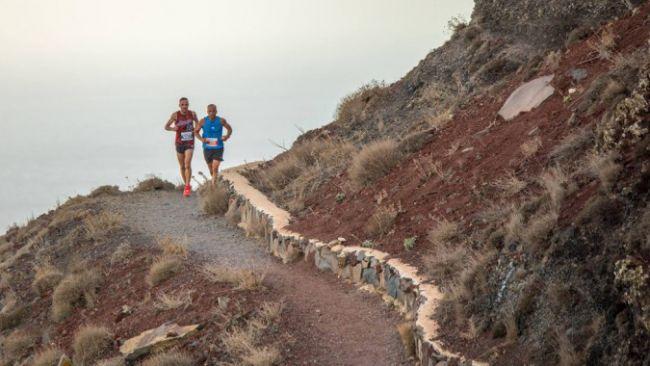 1_ Santorini Experience_Running_by Elias Lefas